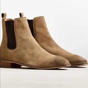 UO Dress Chelsea Boots